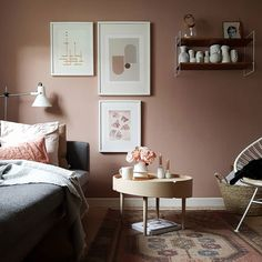 26 dusty pink bedroom walls you will love it 15 Dusty Pink Bedroom, Pink Bedroom Walls, Pink Bedroom Decor, Bedroom Wall Colors, Pink Bedrooms, Pink Walls, Home Bedroom, Living Room Decor, Blush Walls