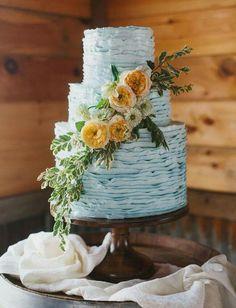 Perfect gorgeous wedding cake!