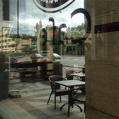 Looking through the window #checkpointcafe #käpylä #latergram #cloudyday #mäkelänkatu91 #cafe #coffee #kahvila #helsinki #iphonepic #instamood #reflections