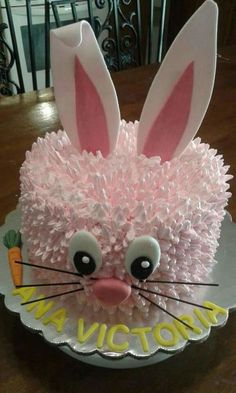 Easter Bunny Cake ideas for all the Bunny Kisses & Easte.- Easter Bunny Cake ideas for all the Bunny Kisses & Easter Wishes to get directed your way – Hike n Dip Easter Bunny Cake - Desserts Ostern, Kid Desserts, Easter Desserts, Easter Recipes, Health Desserts, Easter Bunny Cake, Easter Treats, Bunny Cakes, Rabbit Cake