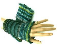 Armstulpen-Pulswaermer-Walkwolle-Musterwalk-Multicolor-Gruen-Blau-Reseda