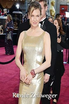 #RenéeZellweger #InvertedTriangle Type - Watch the blog of What's Happening, Cate? behind this pin, because there are more examples! #Strawberry #BodyShape #InvertedTriangleBodyShape #WHCate #WHC