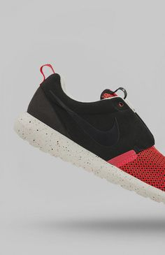 Nike Roshe Run NM Breeze Black Pine Sail Iron Ore