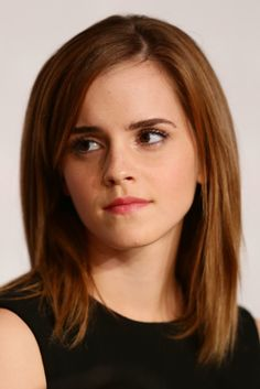 Pin for Later: The Clavicut — the Best Celebrity Midlength Hairstyles Emma Watson My Hairstyle, Pretty Hairstyles, Straight Hairstyles, Hairstyle Photos, Short Haircuts, Cut My Hair, New Hair, Clavicut, Medium Hair Styles