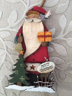 New Winter Wood Crafts Diy Wooden Snowmen Ideas Winter Wood Crafts, Wooden Christmas Crafts, Christmas Yard Art, Santa Crafts, Christmas Signs, Country Christmas, Christmas Projects, Holiday Crafts, Christmas Decorations