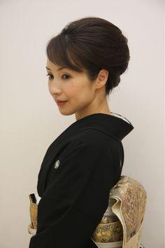和服アップ | 向日町・長岡京の美容室 stella 東向日店のヘアスタイル | Rasysa(らしさ) Roll Hairstyle, Bun Hairstyles, Big Bun, Cosplay Tutorial, Very Long Hair, Coming Of Age, Japanese Beauty, Yukata, Kimono