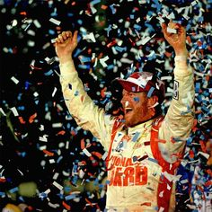 Dale Earnhardt Jr wins the 2014 Daytona 500!