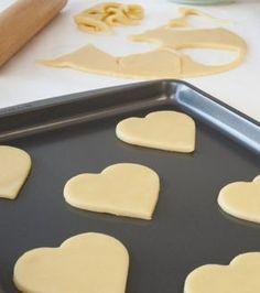 Ζύμη μπισκότου | Γιάννης Λουκάκος Fondant Cookies, Cupcake Cakes, Cupcakes, Sweets Recipes, Cookie Recipes, Desserts, Greek Cookies, Greek Sweets, Sweet Corner