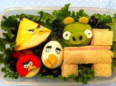 Bekal makanan bentuk angry birds yang pasti disukai anak-anak :)