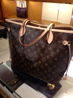 Louis Vuitton Monogram Canvas Neverfull Bags MM M40156