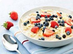 Kaurapuuro marjoilla Low Calorie Breakfast, Healthy Breakfast Recipes, Healthy Snacks, Healthy Eating, Healthy Recipes, Healthy Breakfasts, Healthy Carbs, Nutritious Breakfast, Healthy Fiber