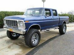 1978 Ford Show Truck Crew Cab Ultimate family truck. Take a truck body like this but stuff a 2014 engine, trans, interior, etc, etc. 1979 Ford Truck, Ford Pickup Trucks, 4x4 Trucks, Chevy Trucks, Lifted Trucks, Lifted Ford, Lifted Dually, Farm Trucks, Diesel Trucks