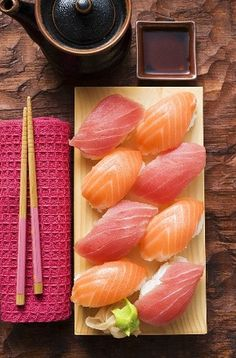 Photographic Print: Nigiri Sushi with Tuna and Salmon on Sushi Board by Foodcollection : Sashimi Sushi, My Sushi, Sushi Love, Sushi Art, Salmon Sashimi, Sushi Japan, Sushi Rolls, Oshi Sushi, Sushi Comida