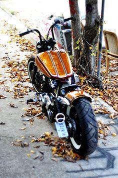 'Candy Gold & Root-Beer' Honda VT750 Shadow Spirit Honda Bobber, Honda Shadow, Kustom, Root Beer, Custom Bikes, Cool Bikes, Cars And Motorcycles, Motorbikes, Harley Davidson