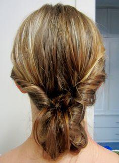 hinteres-bild-gedrehte-frisur-dutt-lange-haare