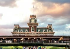 Can You Feel the Love... for Free? : Finding Disney Romance on a Budget http://www.wdwfanzone.com/2016/02/can-you-feel-the-love-for-free-finding-disney-romance-on-a-budget/