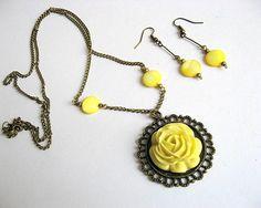 Trandafir galben colier cu pandantiv si cercei, set sidef 19760 Pendant Necklace, Drop Earrings, Jewelry, Jewlery, Jewerly, Schmuck, Drop Earring, Jewels, Jewelery