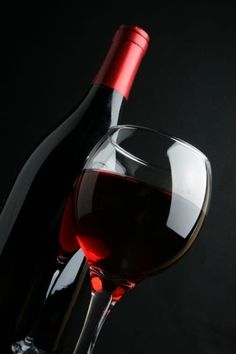 As researchers familiarize themselves more and more with the benefits of various antioxidants in our diet, we hear more and more about the benefits of red wine. From reducing stress to preventing heart disease, red wine boasts numerous health perks.