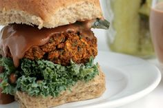 Easy vegan burgers loaded with veggies and lots of flavor. These burgers hold up really well!Easy vegan burgers loaded with veggies and lots of flavor. These burgers hold up really well! Vegan Recipes Easy, Whole Food Recipes, Cooking Recipes, Vegan Vegetarian, Vegetarian Recipes, Burger Recipes, Vegan Food, Vegan Burgers, Vegan Dinners