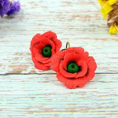 Handmade polymer clay poppy earrings Polymer Clay Flowers, Polymer Clay Art, Handmade Polymer Clay, Polymer Clay Earrings, Ceramic Poppies, Remembrance Day Poppy, Red Poppies, Artist At Work, Closure