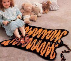 Delicadezas en crochet Gabriela: Alfombra ganchillo hilo en dos colores - negro y n...