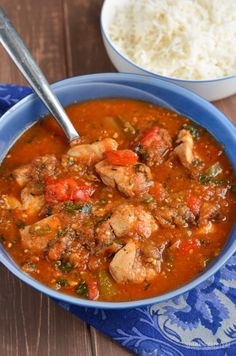 Delicious One Pot Mediterranean Chicken Casserole - simple to make, less dishes to wash up. Sometimes you just need simple dishes all cooked in one pot.