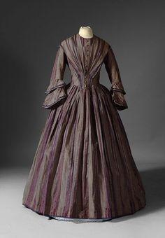 Robe vers 1845-1850