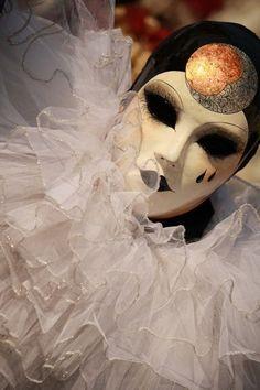 Pierrot - La Vita è Teatro. Tutti in Maschera: Carnival 2012