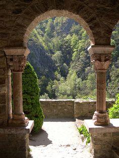 Martin-du-Canigou Monastery ~ France--the impact of framing views. Magic Places, Places To Visit, Belle France, Purple Home, Saint Martin, Romanesque, Land Scape, Porches, Portal