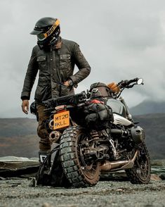 Bmw R Ninet Scrambler, Scrambler Custom, Cafe Racer Motorcycle, Motorcycle Style, Bike Bmw, Bmw Motorcycles, Cafe Racer Bikes, Cafe Racers, Bobber