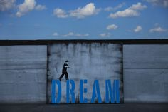 Iranian street artists Icy and Sot (photo © Jaime Rojo) Art Pictures, Art Images, Middle Eastern Art, Dark Places, Street Signs, Chalk Art, Street Artists, Public Art, Artist Art