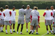 Arsene+Wenger+Arsenal+Training+Session+Rp9aofkM31il.jpg (594×391)