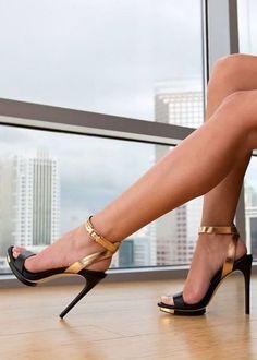 Finite - Blk Gold Dust Nappa BCBGMaxazria - #Heels.com