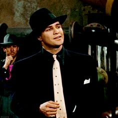 Marlon Brando in Guys and Dolls. Old Movies, Vintage Movies, Classic Hollywood, Old Hollywood, Marlon Brando The Godfather, Old Movie Stars, Gene Kelly, Guys And Dolls, Most Handsome Men