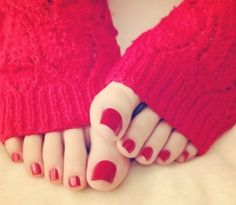Now I believe in love at first view feet pedicure art nail art pedi pedicure pedicure fresh feet nails pedicure Pretty Toe Nails, Cute Toe Nails, Pretty Toes, Painted Toe Nails, Red Toenails, Nice Toes, Toe Polish, Feet Nails, Beautiful Toes