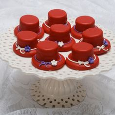 red hat society cupcakes