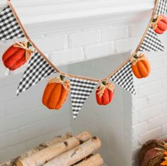 Give your fall wall space a festive, rustic accent with our Gingham Flag and Pumpkin Pennant Banner. A charming design makes this a great harvest addition. Moldes Halloween, Manualidades Halloween, Fall Garland, Fall Banner, Burlap Garland, Garland Ideas, Banner Ideas, Autumn Crafts, Holiday Crafts