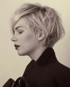 Short stacked haircut girls 2014 img5463bf1fd515088b3d741d7fc6d57ff2.jpg