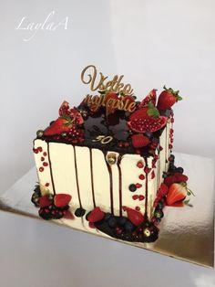 Beautiful Cakes, Amazing Cakes, Fruit Birthday Cake, Square Birthday Cake, Peanut Butter Desserts, Square Cakes, Almond Cakes, Occasion Cakes, Drip Cakes