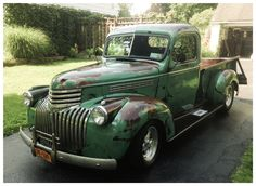 How about that patina on the Ol Chevrolet pick up, what about a Vintage Pickup Trucks, Old Pickup, Old Ford Trucks, Antique Trucks, Farm Trucks, Classic Chevy Trucks, Chevrolet Trucks, Old Chevy Pickups, Chevy Stepside