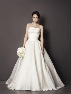 le spose di gio wedding dress  | ... la 03 3535 2400 le spose di gio 2657 le spose di gio 2657 軽やか