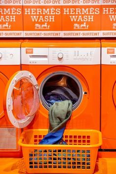 Hermès Laundromat Pop Up Shops - Hermes Silk Scarf Dyeing Pop Up Shop