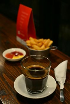 The exceptional taste of Gayo coffee has made it a favorite among coffee drinkers in Europe, especially in the Netherlands. Gayo coffee belongs to the premium category, equal to the class of other world-famous products like Brazilian, Blue Mountain and Ethiopian coffee.