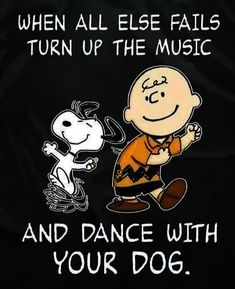 Charlie Brown Y Snoopy, Snoopy Love, Snoopy And Woodstock, Snoopy Comics, Snoopy Pictures, Snoopy Images, Cartoon Images, Snoopy Wallpaper, Music Wallpaper