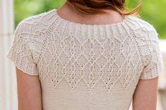Вязание спицами для женщин кофточки с описанием Coralue от дизайнера Corrina Ferguson.