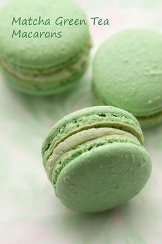 Matcha and lemon Macarons Matcha Milk, Matcha Green Tea, Green Tea Macarons, Green Tea Cupcakes, Lemon Macarons, Green Tea Before Bed, Biscuits, Matcha Dessert, Green Tea Ice Cream