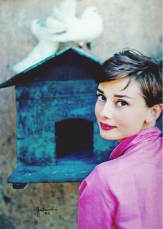 Audrey Hepburn in Italy, 1955 (one of my very favorite photos of her)