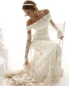 "335 Likes, 26 Comments - Le spose di Giò - Official (@lesposedigio) on Instagram: ""#lesposedigio #lesposedigioweddingdress #lacedress #abitodipizzo #weddingdress #abitodasposa…"""