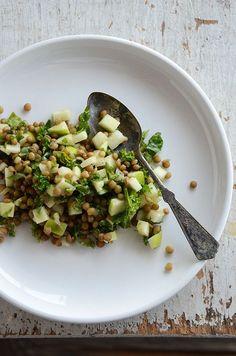 Food: Eleven Rad Things To Do With Kale Pardina Lentil, Green Apple Kale Salad (via An Edible Mosaic ) Kale Salad Recipes, Vegetarian Recipes, Healthy Recipes, Kale Salads, Whole Food Recipes, Cooking Recipes, Clean Eating, Healthy Eating, Lentil Salad