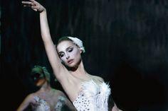 Natalie Portman for Black Swan Black Swan Movie, Black Swan 2010, The Black Swan, Movies Showing, Movies And Tv Shows, Darren Aronofsky, Dance Movies, American Ballet Theatre, Svetlana Zakharova